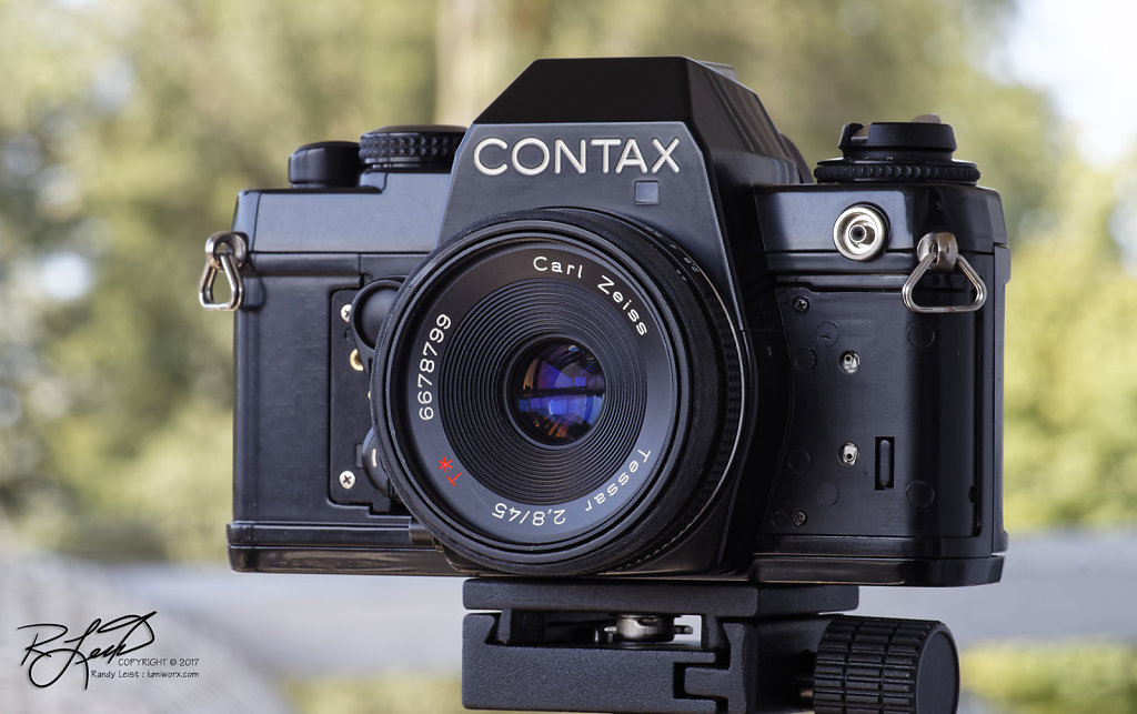 Contax 139 Quartz w/Carl Zeiss Tessar 45mm f/2.8